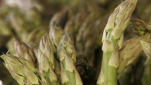 Culinary SOS: Three chefs level up asparagus