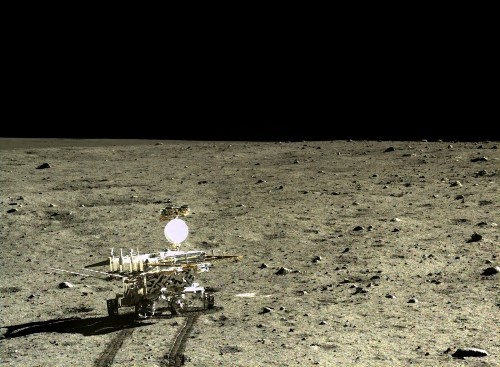 On the moon, China's Chang'e 3 Yutu rover finds a new type of basaltic rock