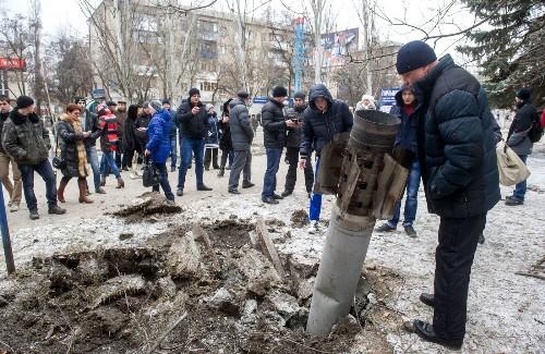 Missiles strike eastern Ukrainian town, killing at least 15