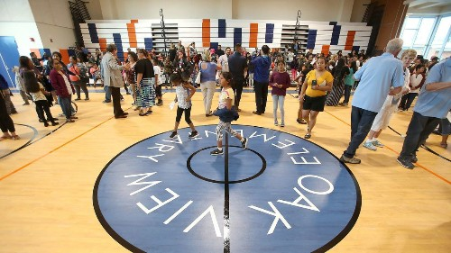 Oak View Elementary School celebrates new 10,975-square-foot gym