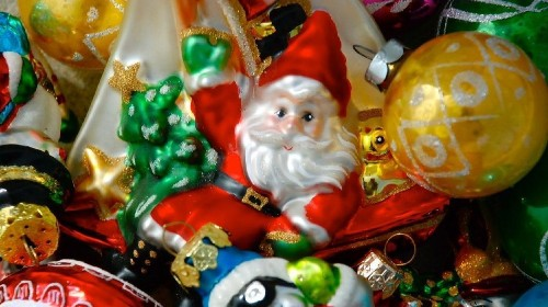 The best ways to pack up your holiday decorations