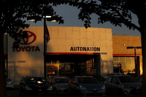 Auto retailing ripe for disruption, industry executives say