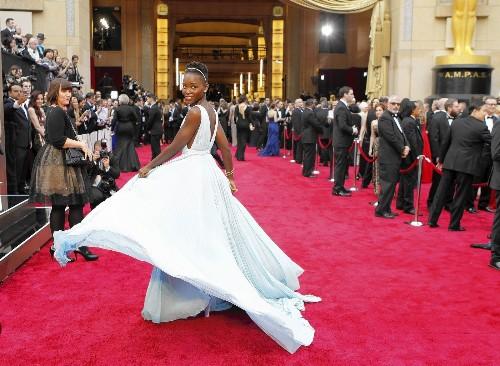 Oscars 2014: Signature moves by Pharrell, Nyong'o rock red carpet
