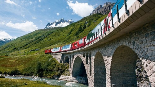 Rail-and-sail journey cruises through Rhine Gorge on way to Swiss Alps - Los Angeles Times