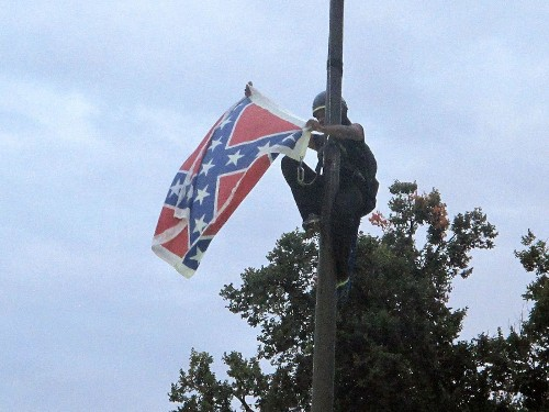 Tweets call to #FreeBree after woman removes S.C. Statehouse Confederate flag