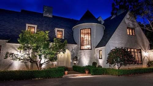Lindsey Buckingham seeks $29.5-million haul for Brentwood compound