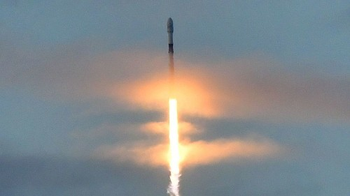 SpaceX to lay off 10% of its workforce - Los Angeles Times