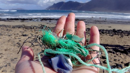 Millions of tons of trash dumped into world's oceans - Los Angeles Times