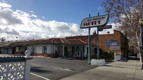 O.C. jail escapees: San Jose motel manager describes their stay