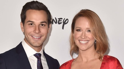 Anna Camp and Skylar Astin are ending their marriage