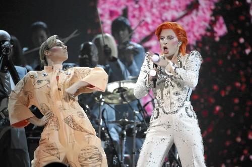 Grammys surprises: Adele's bum notes, Kendrick Lamar's memorable performance and Nashville's snubs - Los Angeles Times