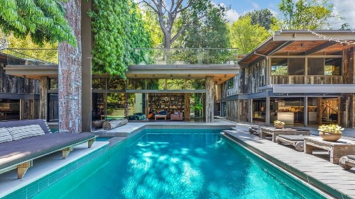 Nichols Canyon post-and-beam by Buff & Hensman has blockbuster appeal