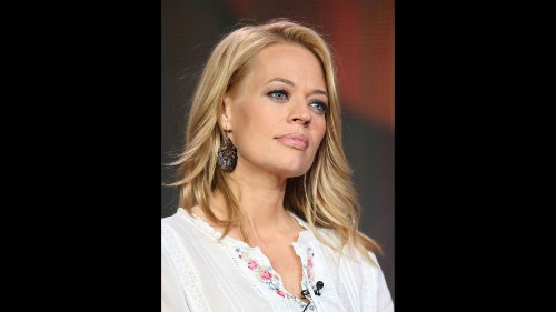 'Star Trek: Voyager' star Jeri Ryan boldly buys Toluca Lake farmhouse