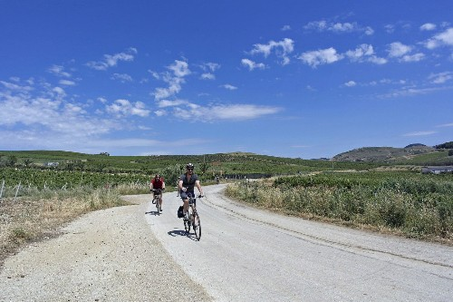 Italy: Do-it-yourself bicycle tour highlights history of Sicily - Los Angeles Times