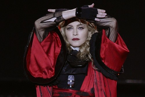 Madonna argued with ex-husband Sean Penn, but he never physically abused her, she says - Los Angeles Times