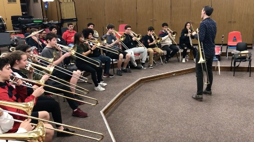 Musician offers jazzy tutorial for Glendale High trombonists