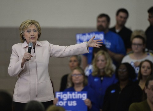 Clinton email probe enters new phase as FBI interviews loom - Los Angeles Times