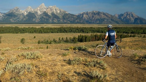 Cycle your way around Yellowstone and Grand Teton parks this summer - Los Angeles Times