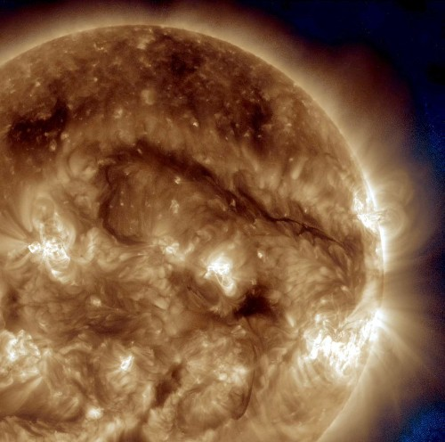 Solar filament snakes across the sun, may soon end in violent burst