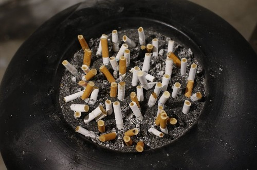To quit smoking, it's best to go cold turkey, study finds - Los Angeles Times