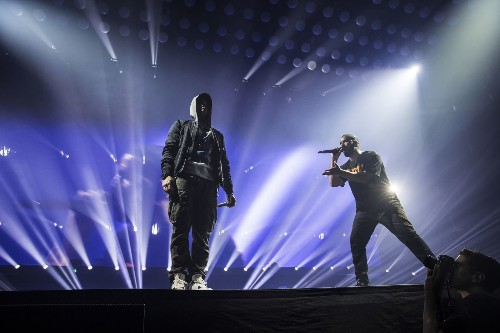 Rap 'feud' between Drake and Eminem shut down by joint Detroit appearance - Los Angeles Times