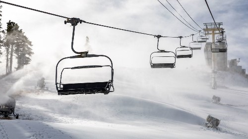 Southern California ski resorts are opening for the season, and you can stock up on gear at Ski Dazzle Show - Los Angeles Times