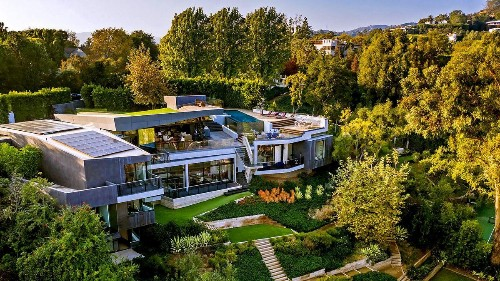 Home of the Week: Ultra-modern showcase keeps it green in Brentwood