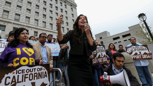 L.A. County sheriff expresses sympathy for immigrants, but says sanctuary bill could hurt them - Los Angeles Times