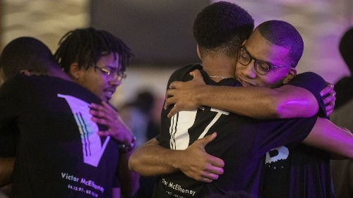 Hundreds gather to remember slain USC student and musician Victor McElhaney
