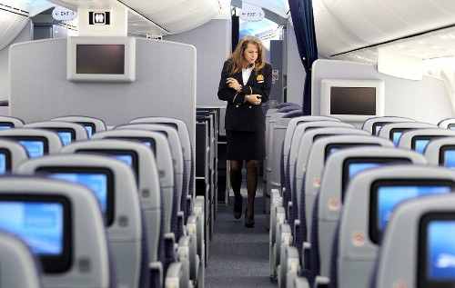 United offers flight attendants buyout packages of up to $100,000 each