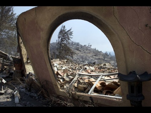 With help from weather, San Diego County fires largely contained - Los Angeles Times