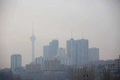 Eyes water, throats burn as Iran's capital endures siege of smog - Los Angeles Times