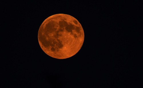 4 spots to howl at the moon during Sunday's lunar eclipse
