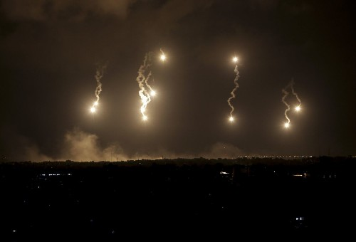 Israeli ground forces push deeper into Gaza Strip