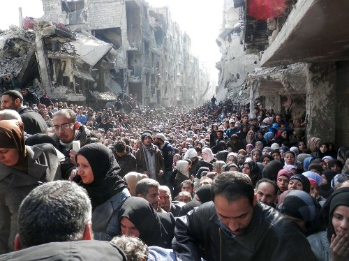Islamic State atrocities feared at Palestinian camp in Syria