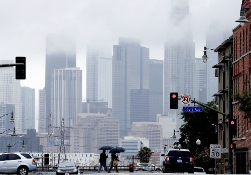 L.A. weather shifts as gray skies make way for a spike in temperatures