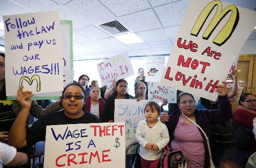 Nearly 90% of fast-food workers allege wage theft, survey finds - Los Angeles Times