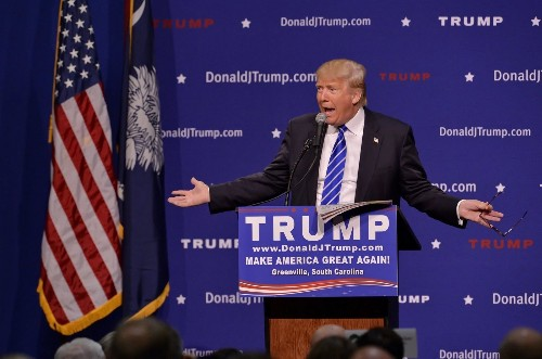 Donald Trump says it's not his job to correct claims that Obama is Muslim - Los Angeles Times