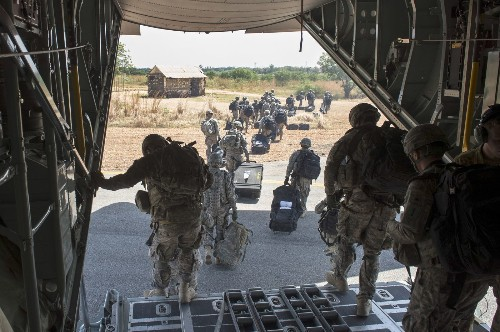 Obama warns against using military force to gain power in South Sudan