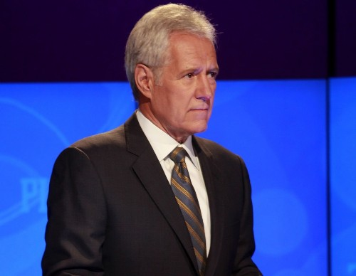 This man set a record for hosting 'Jeopardy!' Who is ... Alex Trebek? - Los Angeles Times