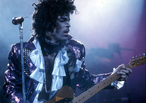 Heels, hair and purple clothes: 6 ways Prince explored sexuality, gender roles and fashion on his own terms - Los Angeles Times