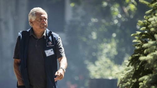 Former CBS CEO Leslie Moonves isn't entitled to $120 million in severance, board finds - Los Angeles Times