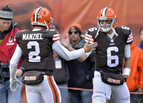Brian Hoyer keeps Browns starting QB job over Johnny Manziel - Los Angeles Times
