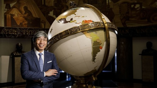 Historic sale of the L.A. Times to billionaire Patrick Soon-Shiong to close on Monday