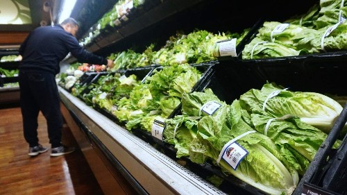 Don't eat romaine lettuce, CDC warns amid another E. coli outbreak - Los Angeles Times