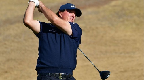 Phil Mickelson still leads Desert Classic because of ability to recover from poor shots - Los Angeles Times