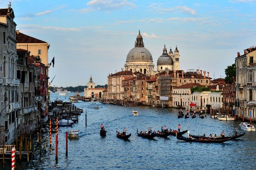 Deal: Save 15% on CroisiEurope river cruises in Venice and Paris