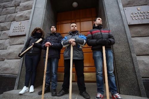 Ukraine parliament wants Yanukovich tried in international court - Los Angeles Times