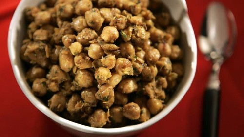 Make this curried chickpeas recipe for Meatless Monday