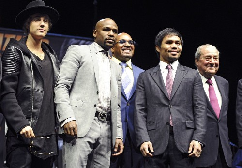 Justin Bieber bumped Showtime exec from a Floyd Mayweather photo op - Los Angeles Times